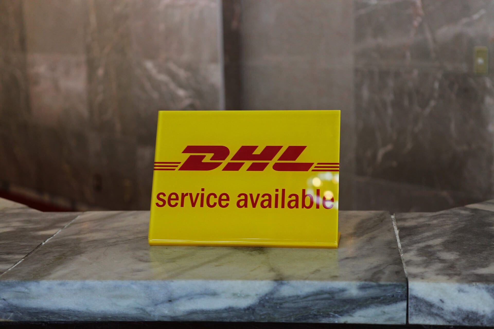DHL delivery services